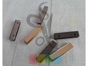 kovový okraj či zapínání na tašku nebo peněženku - stříbrný