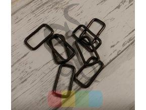 černý kov - průvlek 20 mm