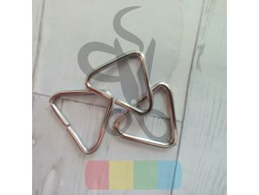 průvlek trojúhelník  - stříbrný