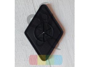 plastová nášivka na batoh - otvor pro sluchátka - kosočtverec