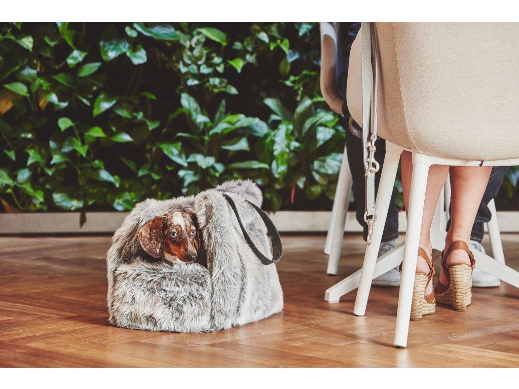 Luxusní cestovní taška pro psy MiaCara Via stříbrná s kožíškem
