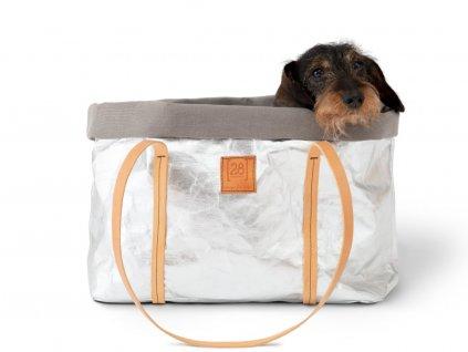 Stříbrná cestovní taška pro psa z voskovaného papíru