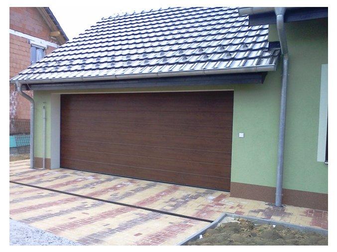 AKCE Hörmann 2750x2125 sekční garážová vrata RenoMatic LIGHT Decocolor dřevodekory pohon včetně 2 kusů dálkových ovladačů (Barva zlatý dub - lamela Decocolor, tmavý dub - lamela Decocolor)