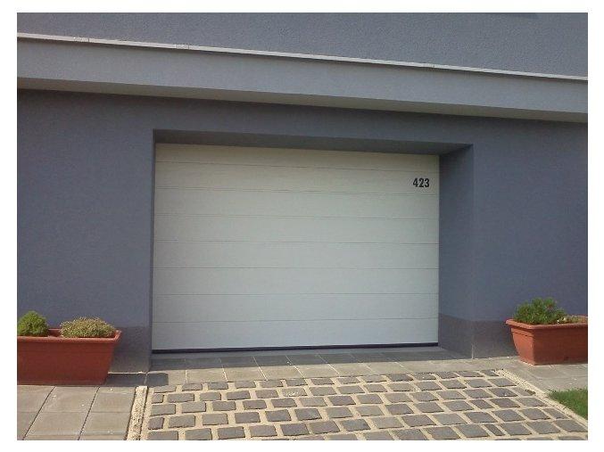 AKCE Hörmann 2500 x 2250 sekční garážová vrata RenoMatic LIGHT barvy v Ral 6 odstínů stropní pohon+2 kusy dálkových ovladačů  (Barva Ral 9016 bílá, RAL 7016 antracit, Ral 8028 hnědá, Ral 9006, Ral 9007, CH 703)