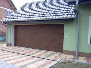 AKCE Hörmann 2500 x 2250  sekční garážová vrata RenoMatic LIGHT dřevodekory pohon vč 2 kusů ovladačů Zdarma  (Barva Zlatý dub Decocolor, tm dub- Ořech Decocolor)