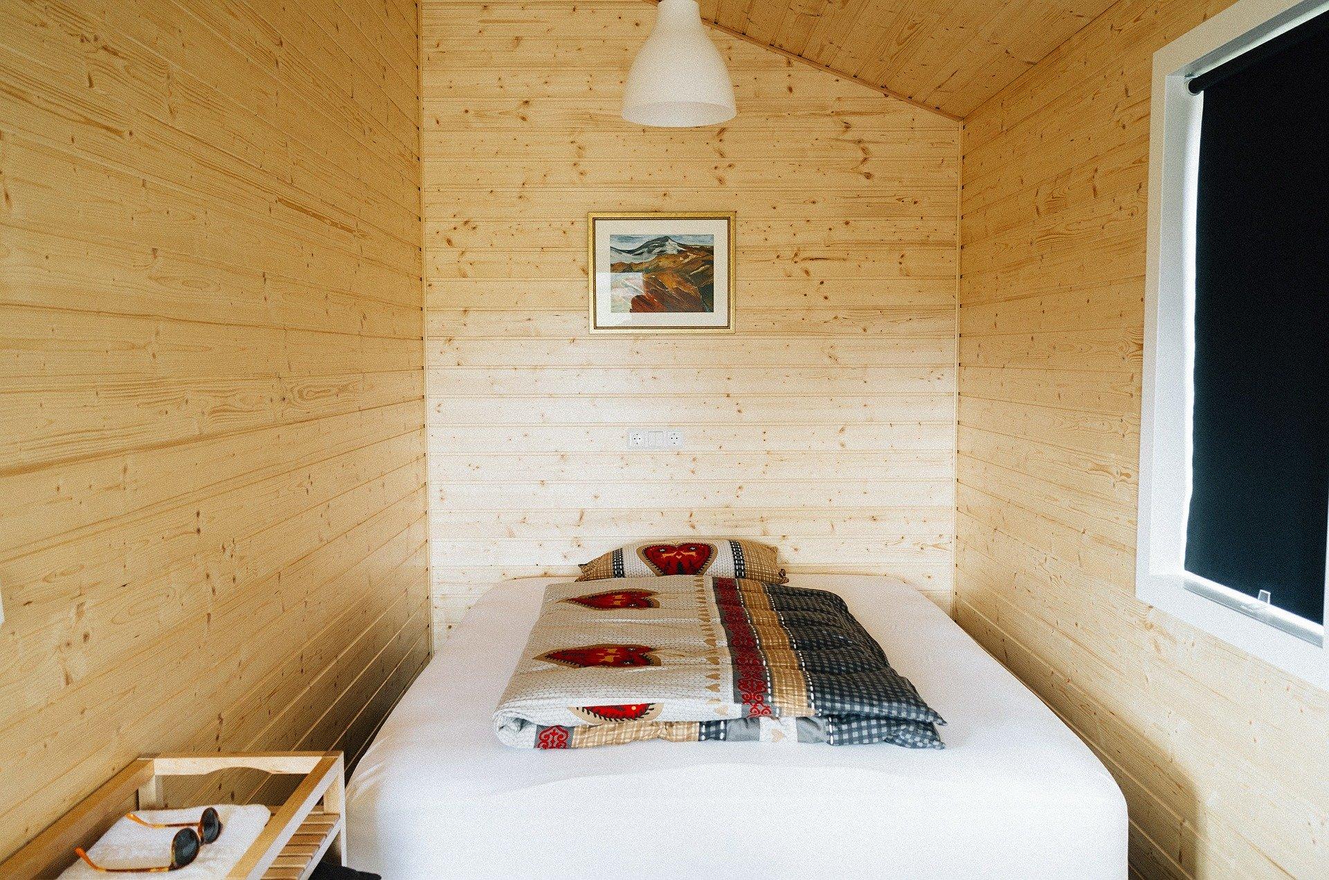 Barvy Adler - dřevěné obložení místnosti