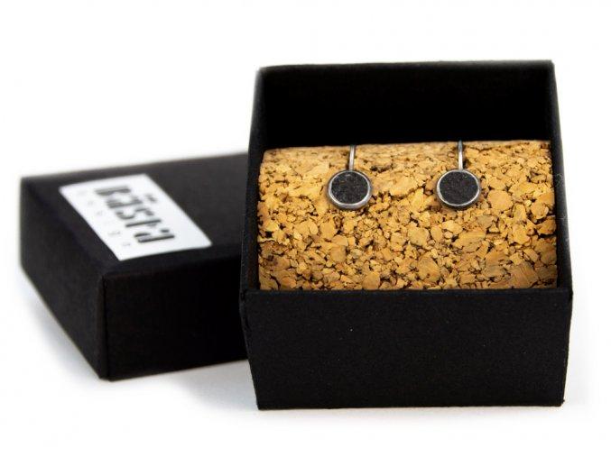nausnice simple hang black box
