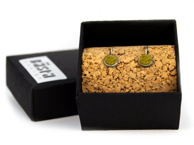 nausnice simple hang yellow box
