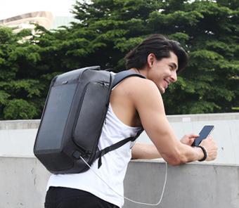 Nové trendy vo svete tašiek a batohov