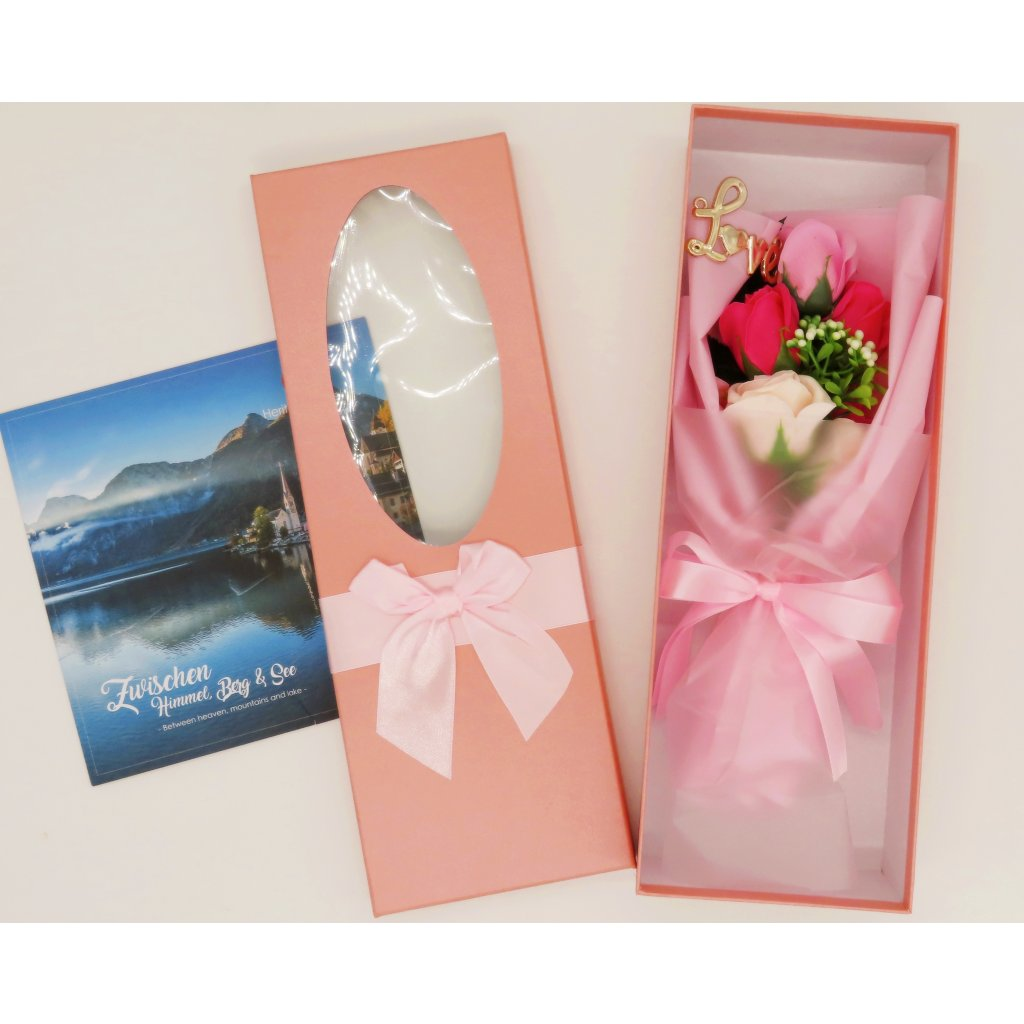 Kytice umělých růží v dárkové krabici obr. 1
