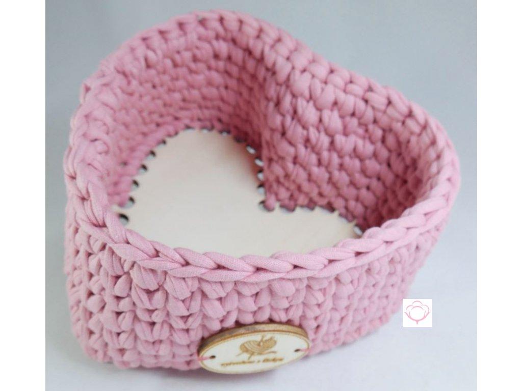 Návod na háčkovanou kabelku 2 v 1 S návodem na háčkovanou kabelku 2 v 1 zvládnete svépomocí vytvořit nádhernou kabelku pro každodenní nošení, která podtrhne Vaší krásu a smysl pro eleganci. Kabelku můžete nosit jen