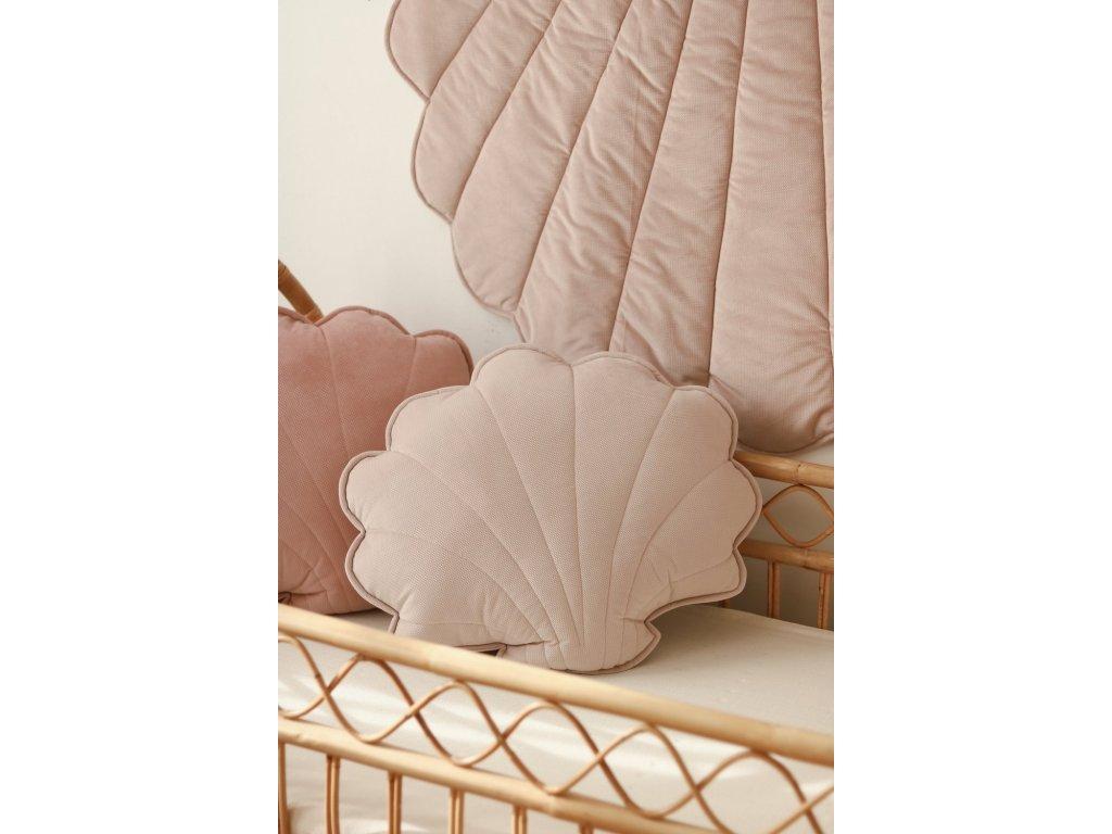 Velvet polštářek mušle velká - pudrově růžová