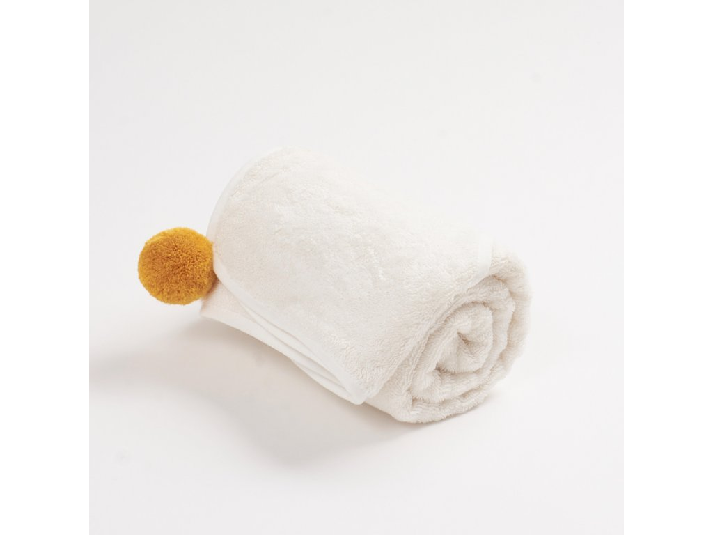 Bambusový ručník s bambulkou Okrová