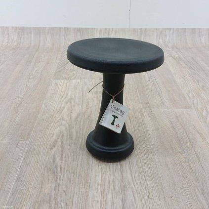 Černá stolička OneLeg