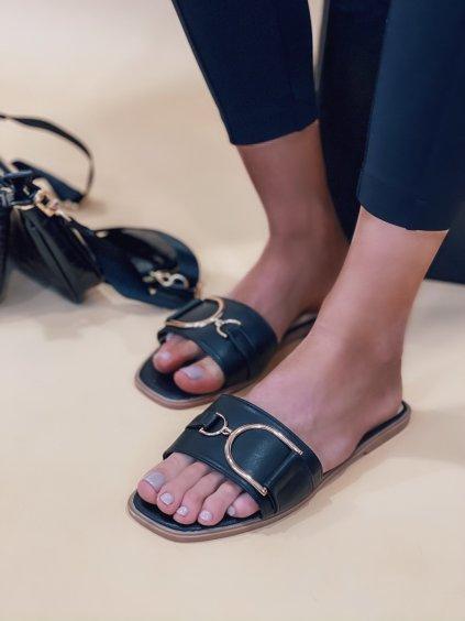 Pantofle se sponou RALPH