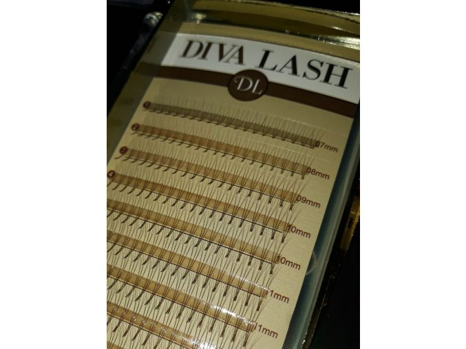 DIVA ROOTHLESS Volume BROWN 3D MIX / C 0,07