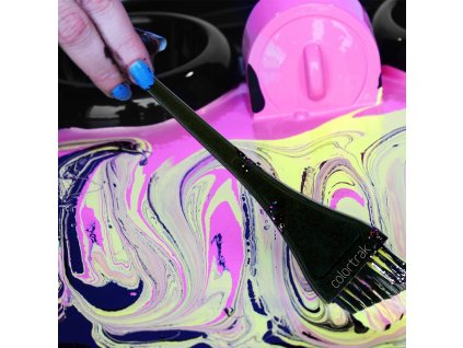 Colortrak - Precision Angled Color Brush - Šikmý barvící štětec