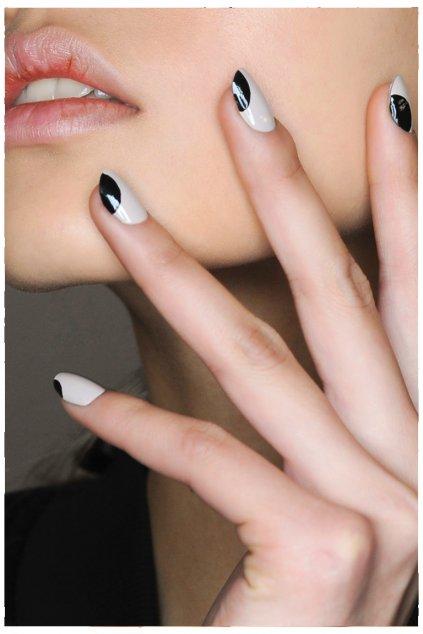 Školenie na gélové nehty + manikúra
