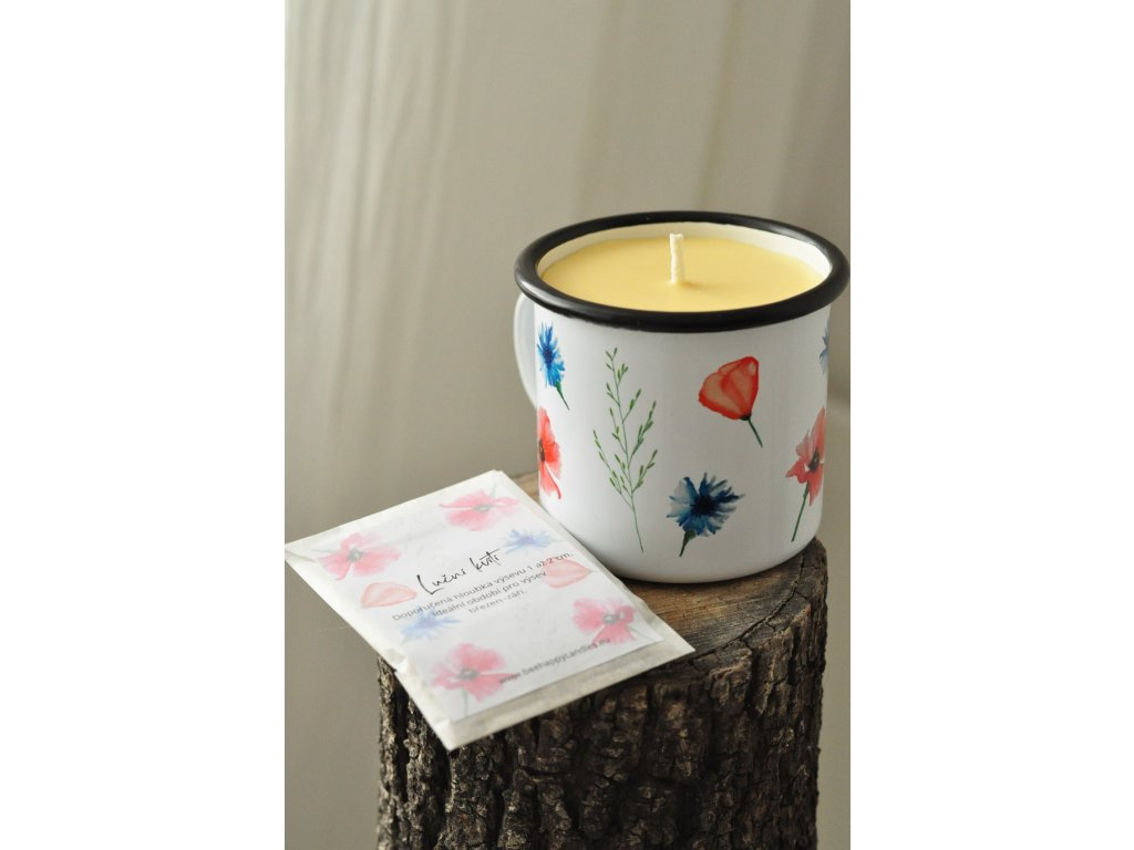 Svíčka v rozkvetlém plecháčku + semínka lučního kvítí
