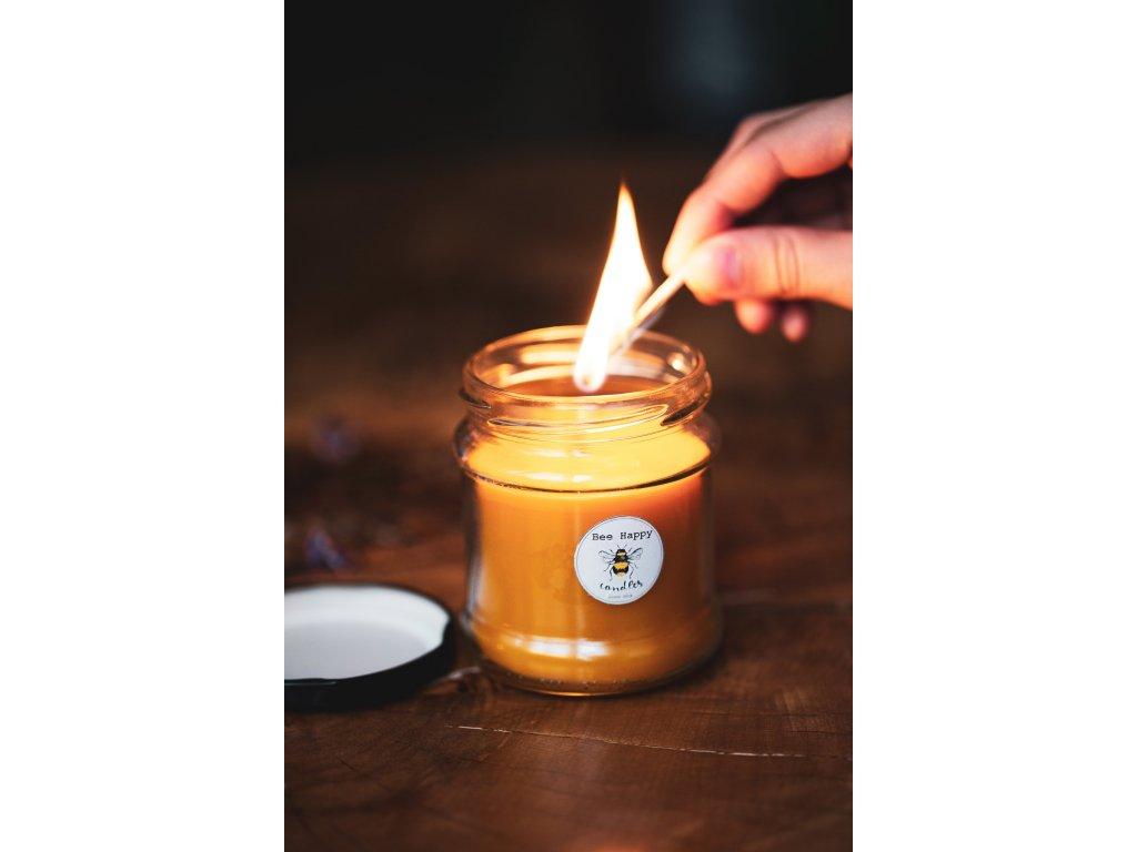 Svíčka ze včelího vosku ve sklenici  Svíčka ve sklenici ze včelího vosku