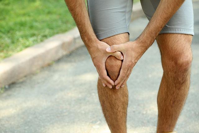 Poškozuje pravidelný běh kolena?