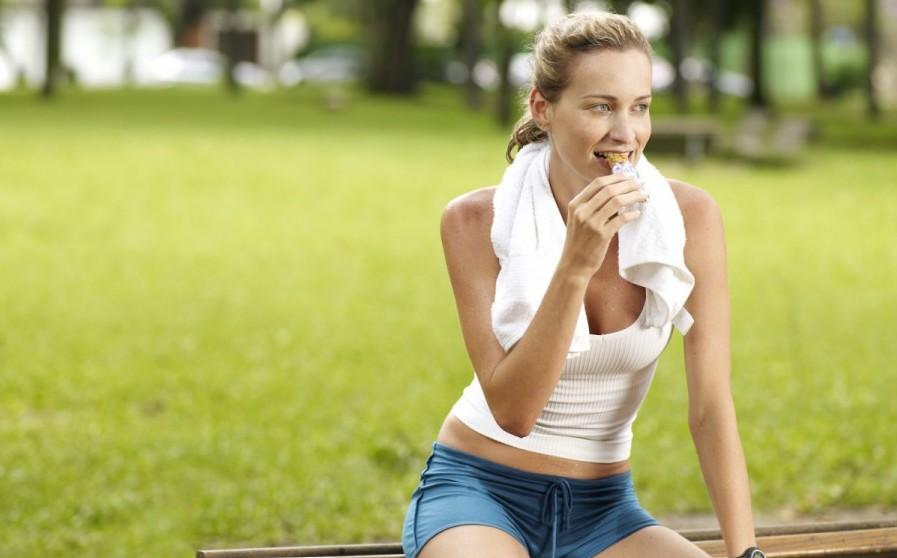 S kvalitními sacharidy a minerály se běhá lépe