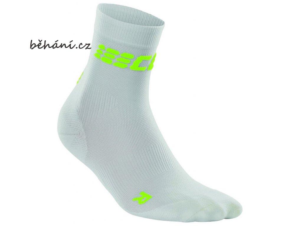 CEP dámské krátké běžecké kompresní ponožky ULTRALIGHT - bílá / zelená