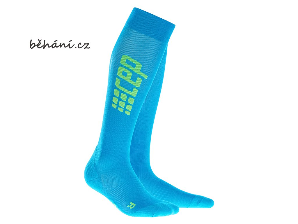 RunUltralight Socks electric blue pair 72dpi WP55NC