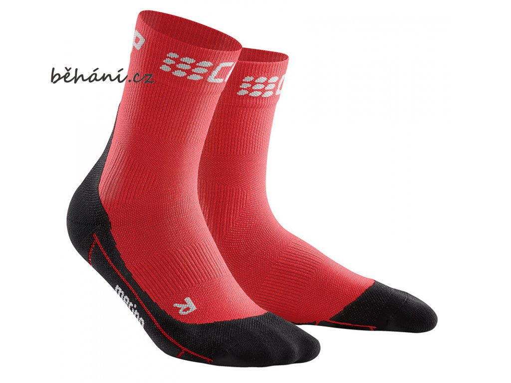 Winter Run Compression Mid Cut Socks red black pair