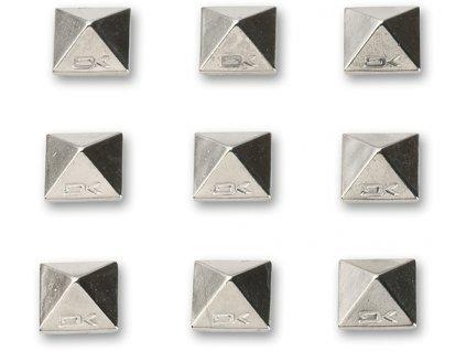 Dakine - PYRAMID STUDS stomp pad CHROME (Velikost UNI)