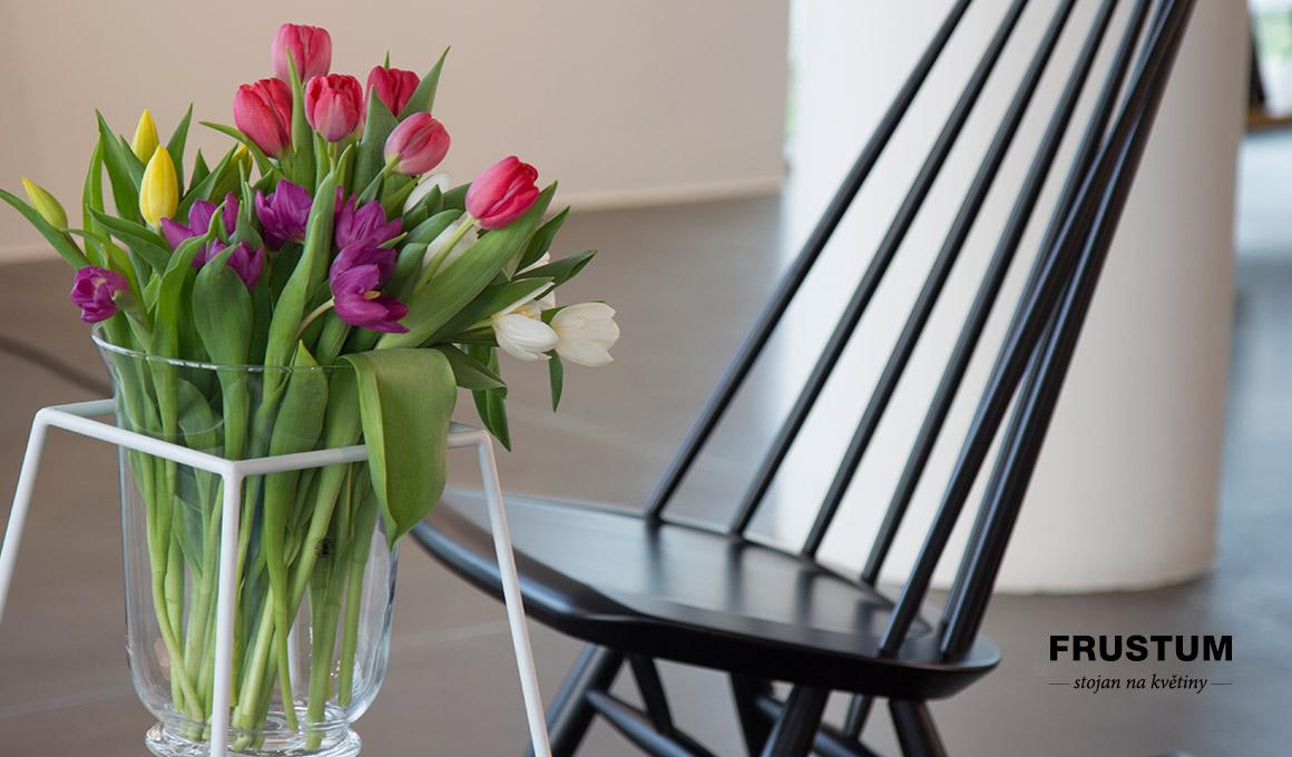 Frustum stojan na květiny