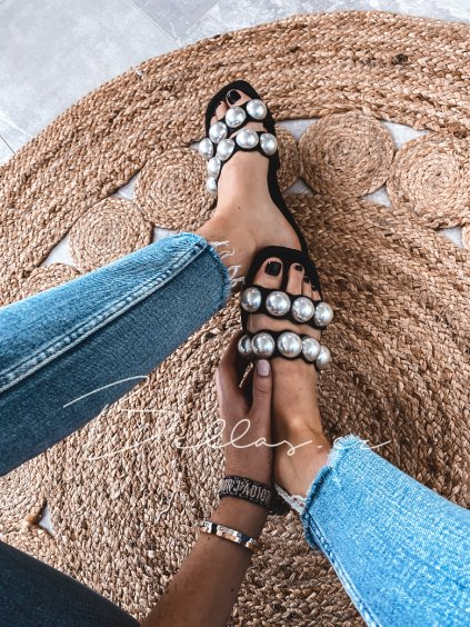- Dámské  pantofle Larra