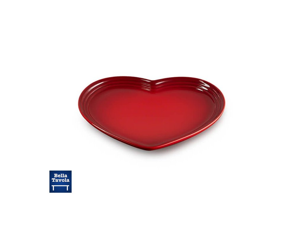 91023404060799 Le Creuset Heart Plate Cerise