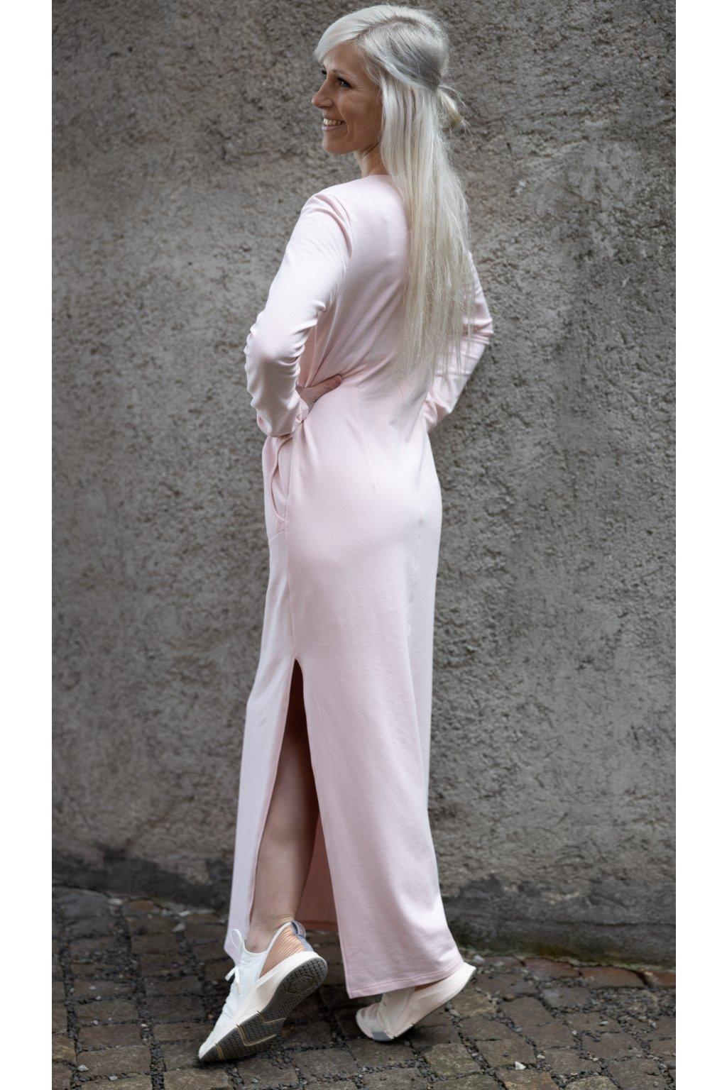Dámské maxi šaty pudrové 4