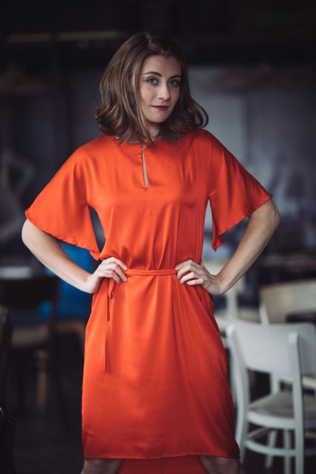 Dámské šaty z hedvábí Alchemilla červené 2