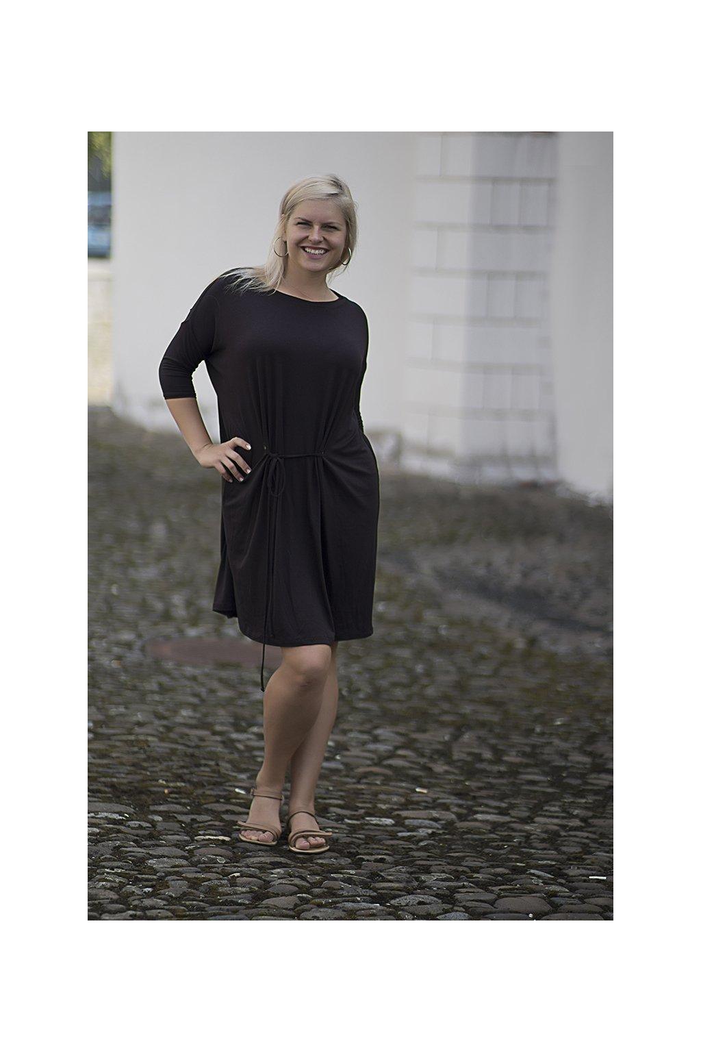 Oversize šaty Tereza Bellazu hnědé 3