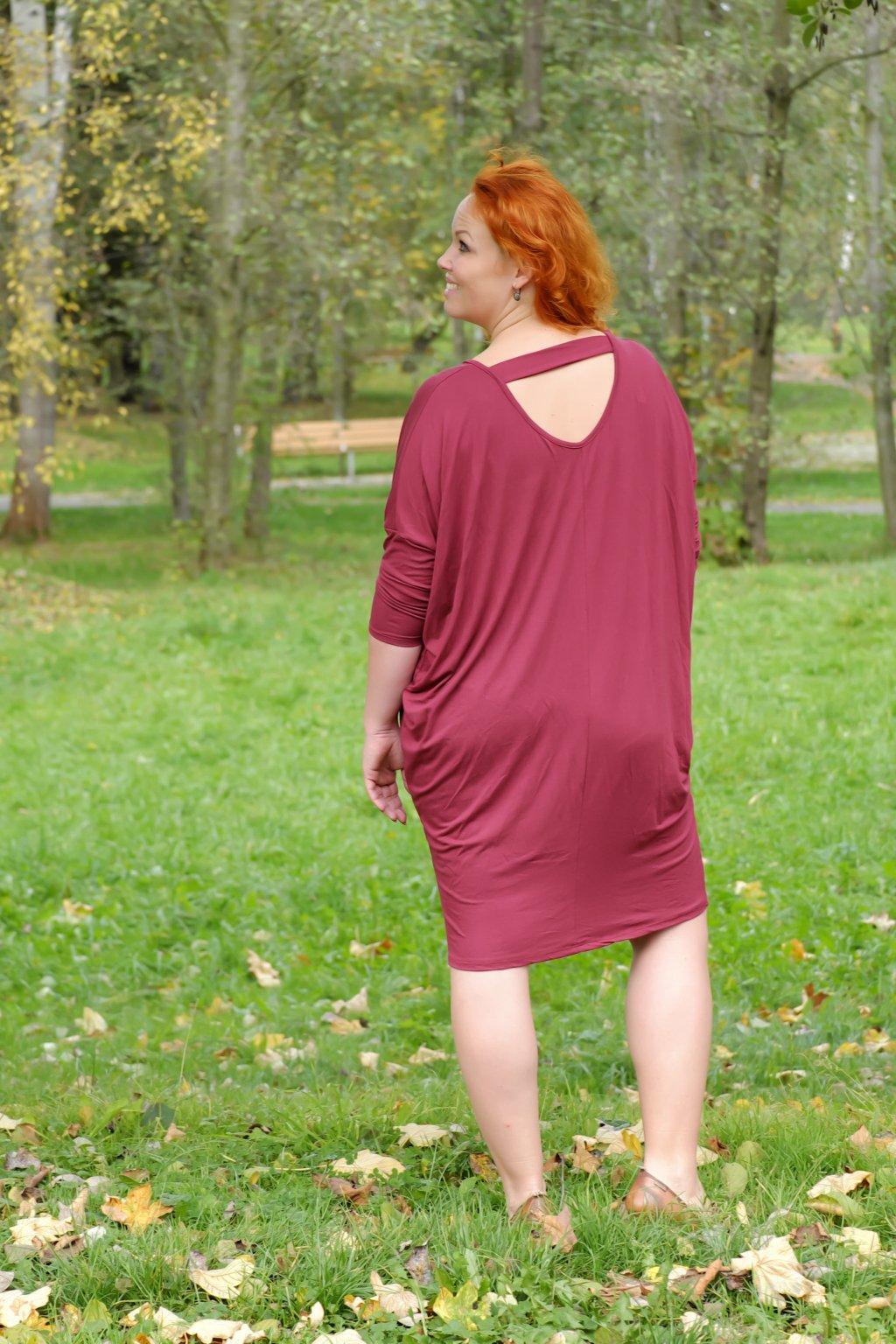 Volné šaty Kiss s netopýřími rukávy vínové 2