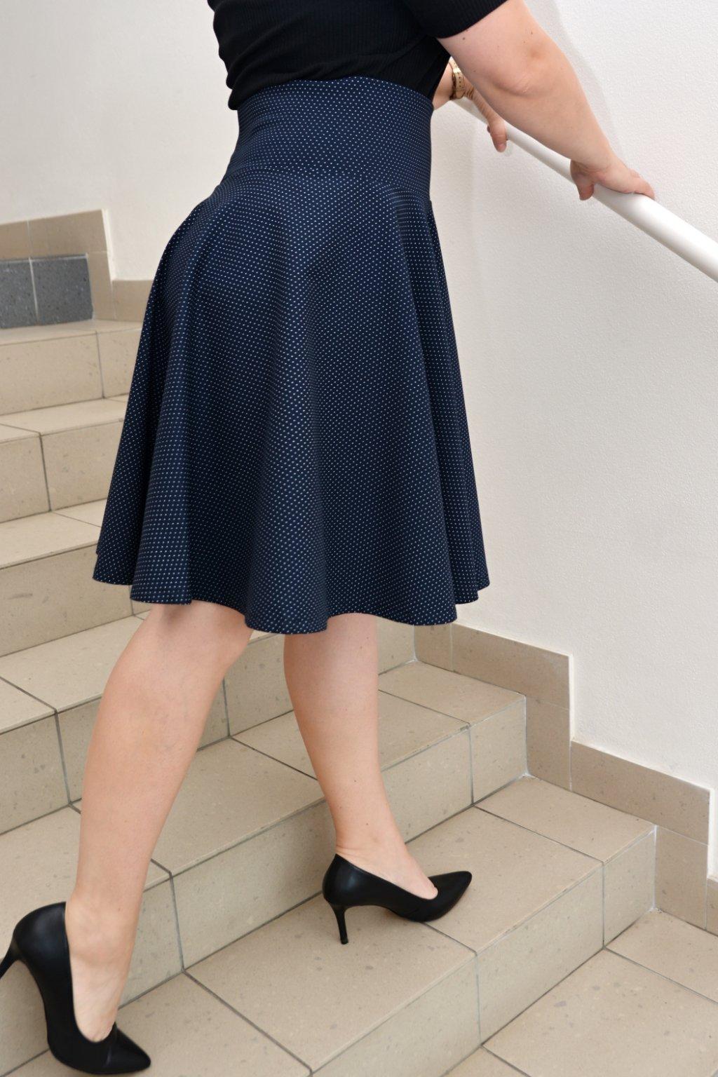 Puntíková kolová sukně Sarah 1
