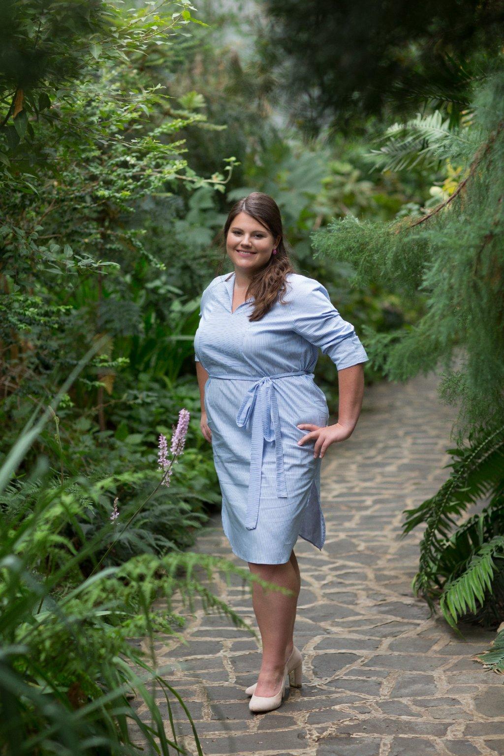 Šaty Anna z bleděmodrého proužku 3