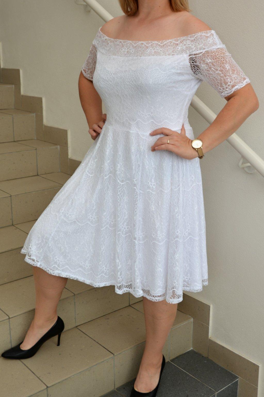 Svatební krajkové šaty Avant s rozšřířenou sukní