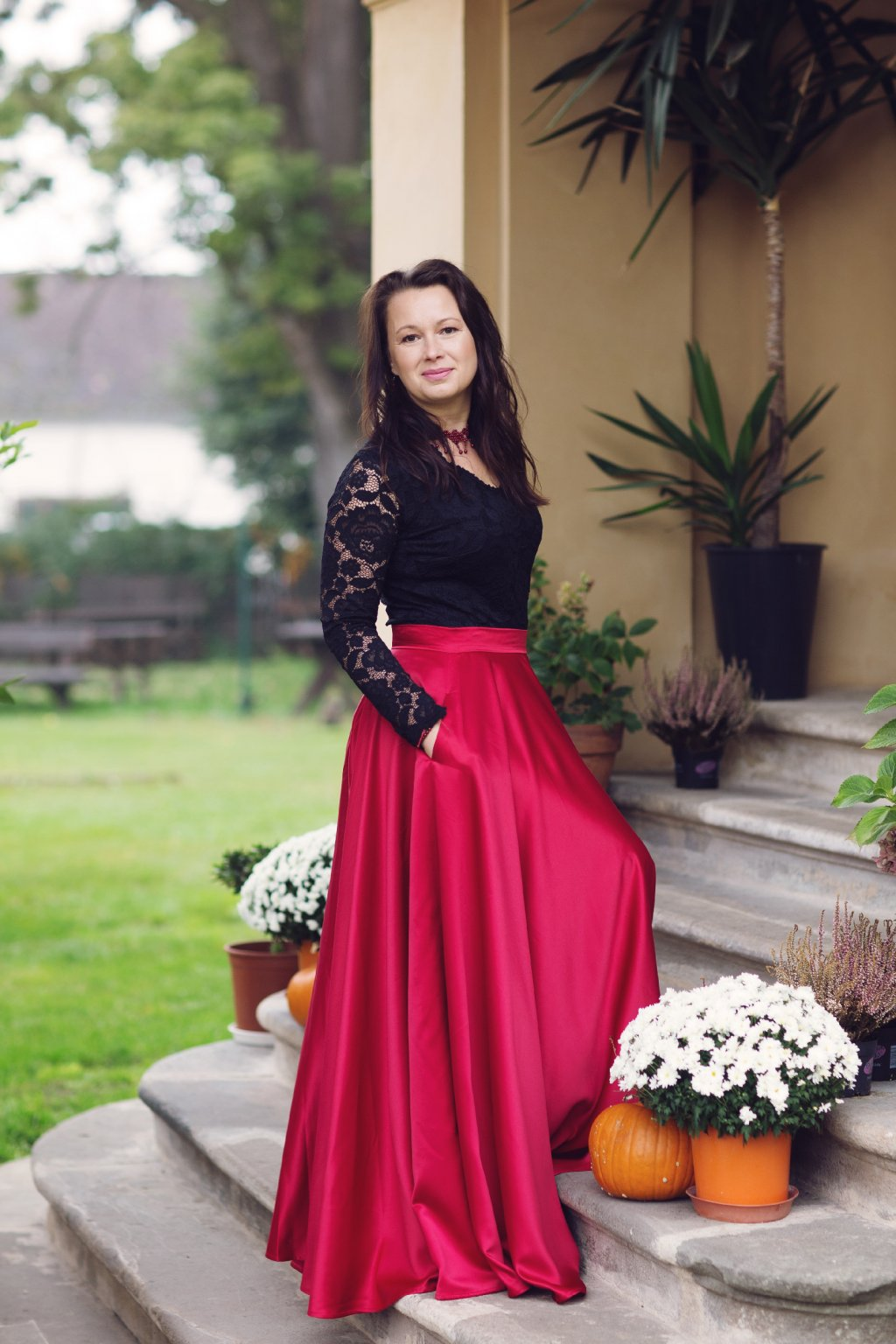Saténová dlouhá sukně Rosie vínová 2