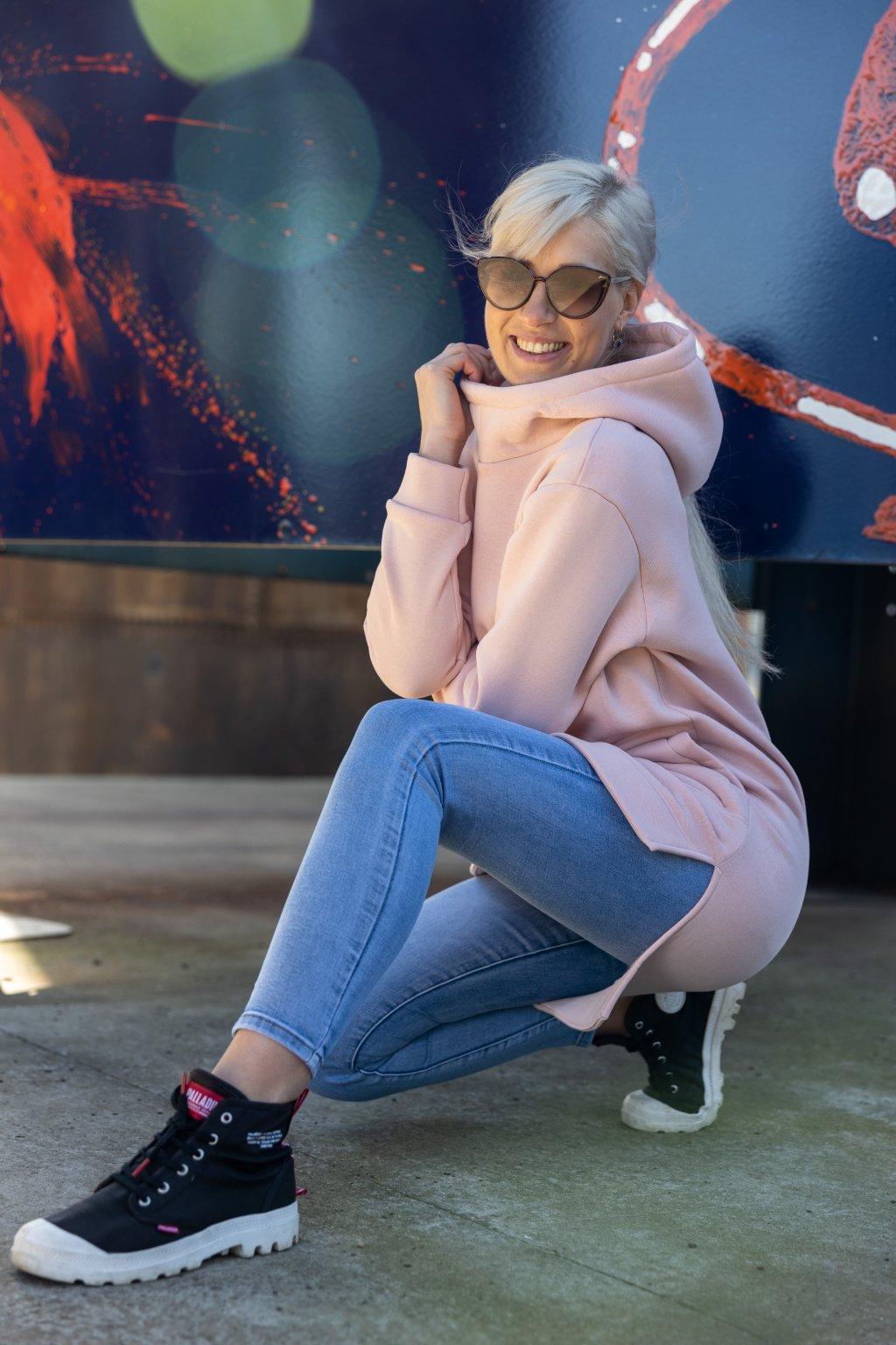 Prodloužená mikina s kapucí růžová