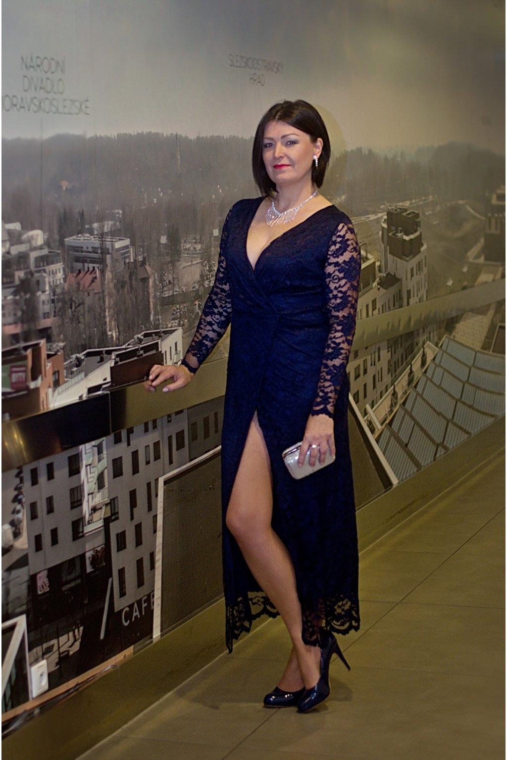 d679321aa7e Dlouhé šaty Luxuriously s vysokým rozparkem - Bellazu.cz