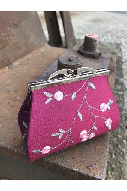 Malá květovaná kabelka BD vínová 2