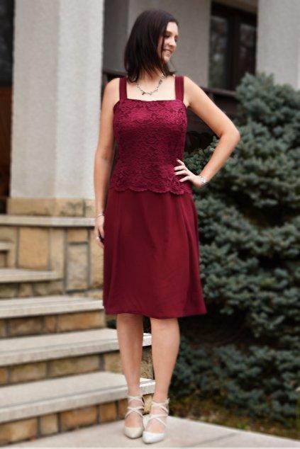 Krásné vínové šaty Timeless s krajkovým bolérkem 6