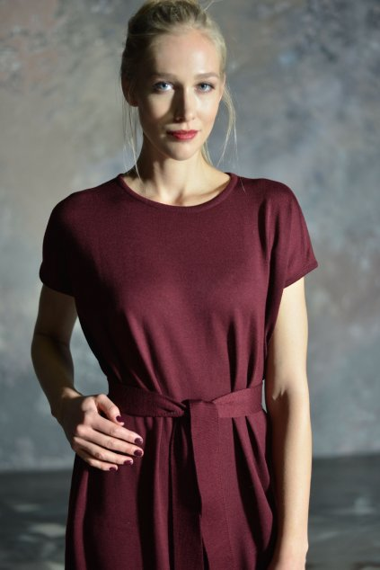 Merino šaty MIK s krátkým rukávem vínové 1