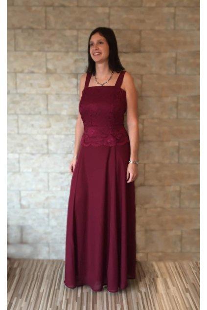 Dlouhé vínové šaty Timeless s krajkovým bolérkem