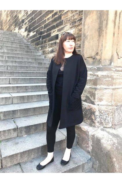 Dámský mikinový kabát s krajkovou kapsou