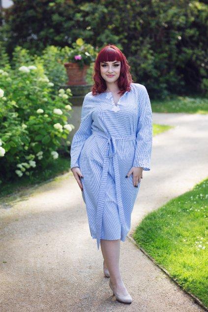 Šaty Anna z bleděmodrého proužku 13