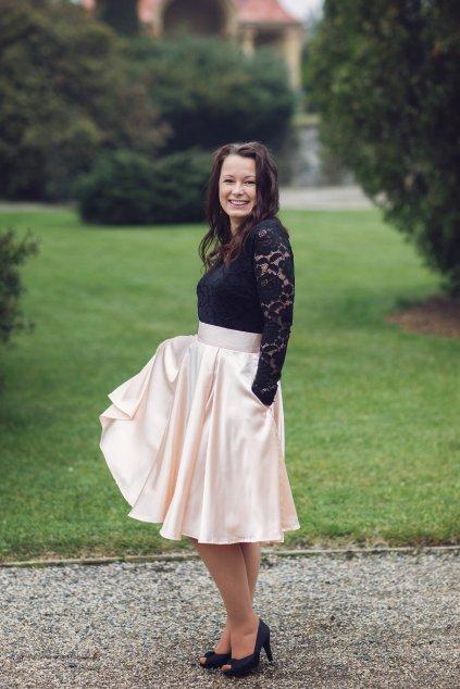Krátká saténová sukně Rosie pudrová 4